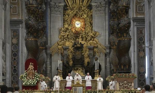 """O Papa na Epifania """"a vida cristã é uma história de amor com Deus"""""""