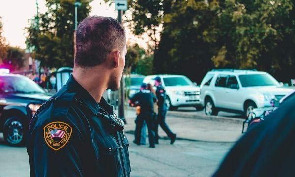 O meu trabalho e como santificá-lo: Polícia