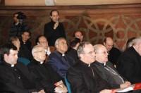 Intervenció d'un dels assistents a les Jornades. En primera fila Mons. Jaume Pujol, arquebisbe de Tarragona i Mons. Jaume Traserra, bisbe de Solsona.