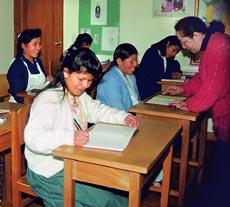 En CEFIM más de 600 mujeres han aprendido a leer y escribir.