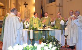 L'abbé Etienne Montero célèbre sa première messe solennelle à Bruxelles