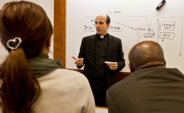 Opus Dei - A Szent Kereszt Papi Társaság