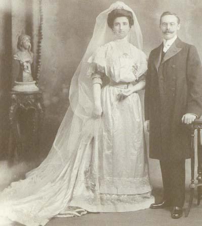 Clementina Diez de Sollano y Ramón del Portillo y Pardo, el día de su matrimonio (Cuernavaca, Morelos, 11 de enero de 1908).
