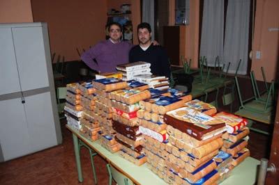 """Como se dice en Valencia, """"pensat y fet"""" (dicho y hecho). """"En dos días, recogimos más de 500 litros de leche y 400 paquetes de galletas""""."""