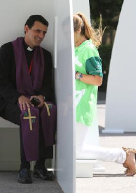 """""""Lumina verde"""" a unui confesional, reprezintă o mână întinsă pentru convertire"""