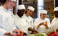Trinta Anos de Hospitalidade na Faculdade Lexington