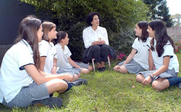 """Opus Dei - """"Primero los padres, luego los profesores y después los alumnos"""""""