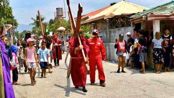 Holy Week in Zambales (Philippines), then and now