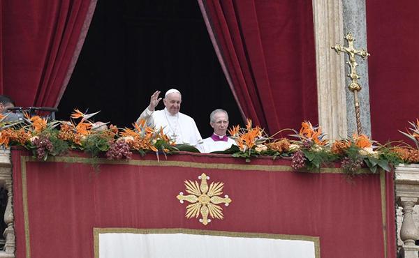 Papa Francesc: «El Senyor faci de nosaltres constructors de ponts, no pas de murs»