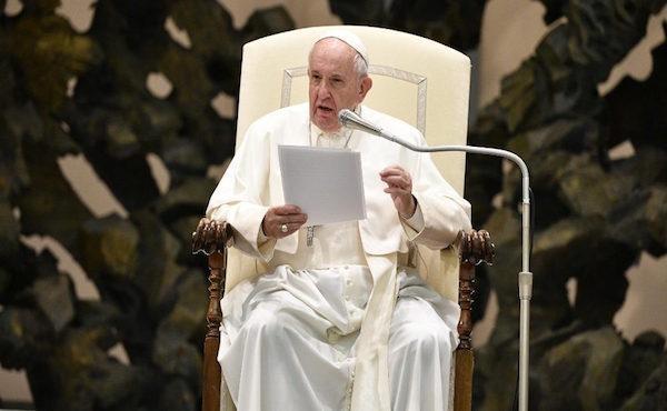 今日有些基督徒遭受「白手套」的迫害
