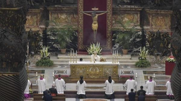 Homilia papieża Franciszka wygłoszona podczas Wigilii Paschalnej