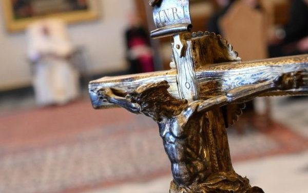 祈禱是抵禦罪惡的堤防,它能書寫不同的命運