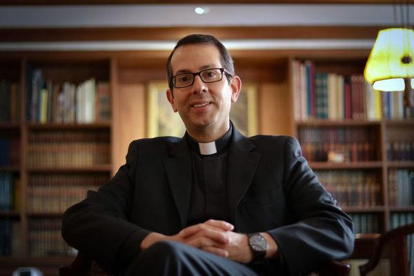 Opus Dei - Entrevista a Jorge Mario Jaramillo, Vicario de la Región Colombia - Ecuador
