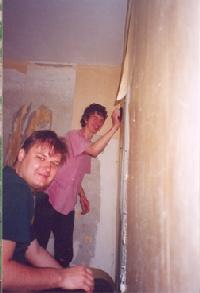 Realizaron reparaciones en las casas de cinco familias.
