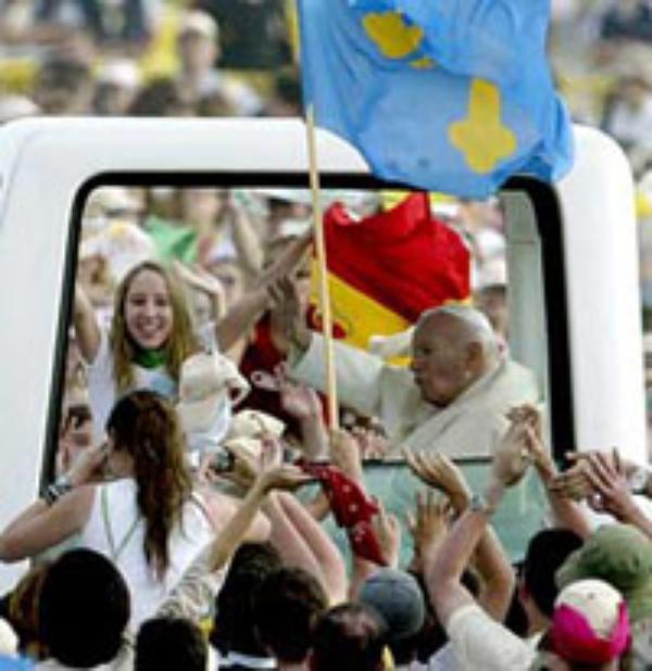 Juan Pablo II se reúne con más de 700.000 jóvenes