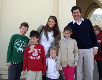 Familias fueron los principales grupos que asistieron a la Sagrada Eucaristía.