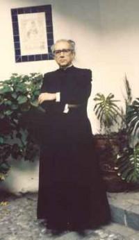 Juan Pablo II nombró a don Adolfo Rodríguez Obispo de Los Angeles, el 6 de julio de 1988.