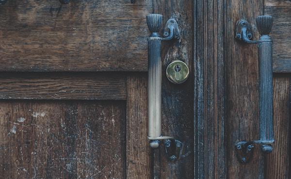 Opus Dei - La puerta de la casa no se abría