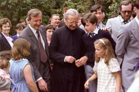 Kratka biografija biskupa Alvara del Portilla (1914.-1994.)