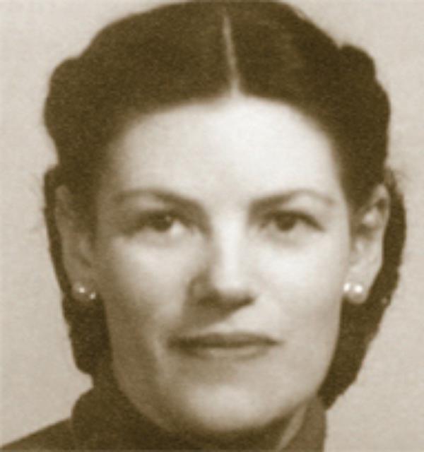 Dora del Hoyo: Primera Numeraria Auxiliar del Opus Dei
