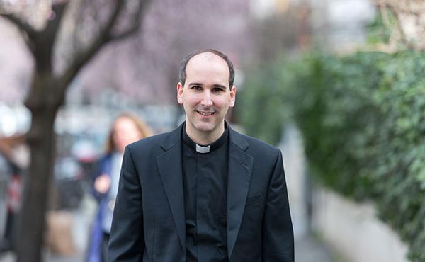Un canvi de feina: De les finances al sacerdoci