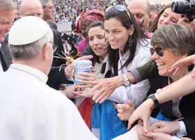Pápež František: Vyhlasujem mocnú výzvu za pokoj!