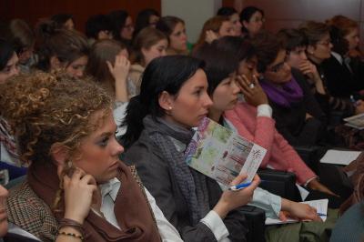"""Este año han participado en el Forum del UNIV Incontro Romano, 21 países con una representación de 350 jóvenes. El tema fue """"La fiesta, el arte que sorprende"""" para conocer cómo se preparan celebraciones en todo el mundo."""