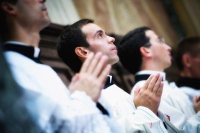 Antes del acto académico se celebró una misa en la que participaron profesores y alumnos.