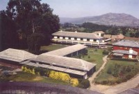 Vista aérea de la Escuela Agrícola Las Garzas que comenzó en 1963, en Chimbarongo, Sexta Región.