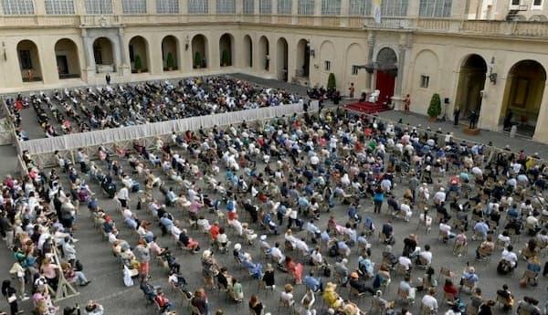 Opus Dei - 「わたしたちはイエスの祈りの中心にいる」教皇一般謁見