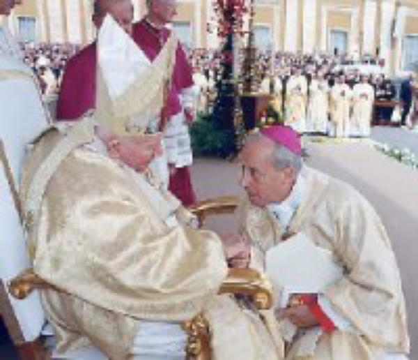 Йоан Павло ІІ та Opus Dei: розмова з владикою Хав'єром Ечеваррія (ч. 1/3)
