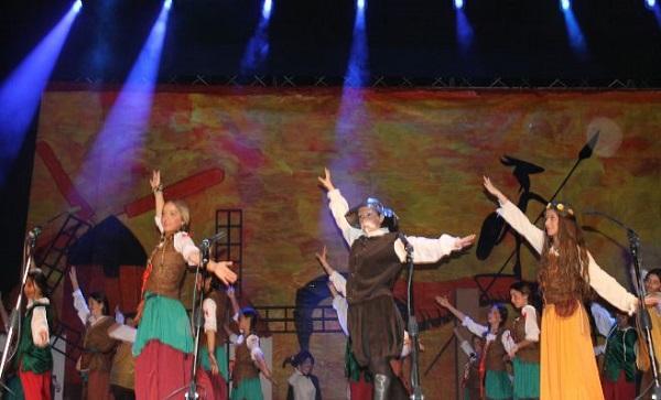 Medio millar de jóvenes compite en el Concurso de Comedias Musicales