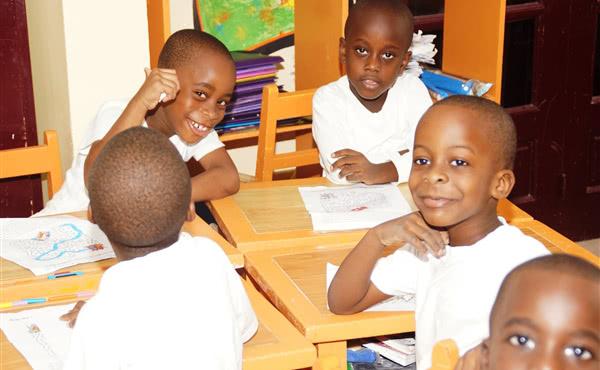Opus Dei - Etimoé-Makoré: la escuela de las familias