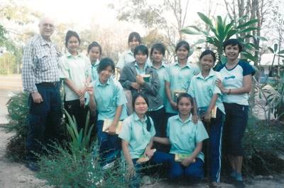 Neke djevojke koje su primile školarinu