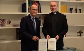 Entrevista a coautores de livro com textos da pregação de S. Josemaria