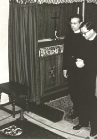 St Josemaría Escrivá praying in St Dunstan's, Canterbury, where the head of St Thomas More is buried. St Josemaría had a special devotion to St Thomas More