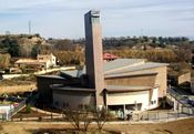 Barbastro, ciudad natal del fundador del Opus Dei, dedicó una iglesia al beato Josemaría en diciembre de 2001.