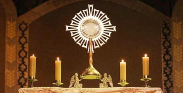 Lettre du prélat de l'Opus Dei sur l'Eucharistie ( 6.X.2004 )