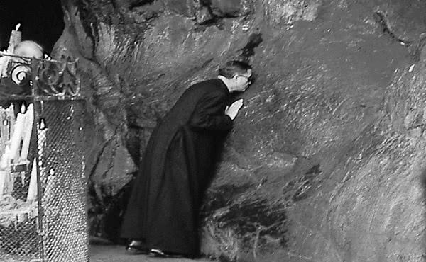 Opus Dei - La Virgen de Lourdes