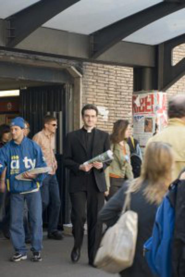 Ma dernière interview avant de devenir prêtre !