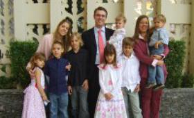 Entre o trabalho e a família