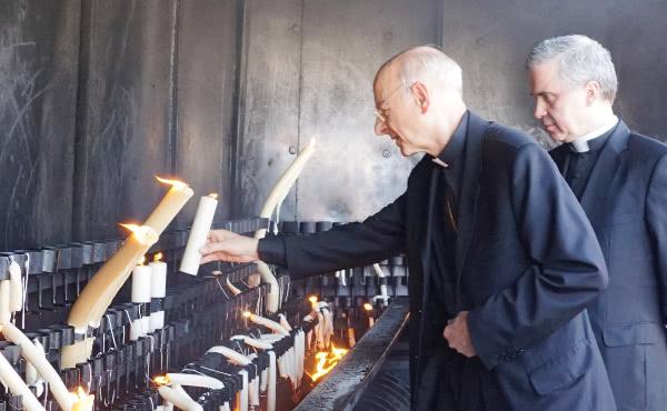 Opus Dei - El prelado del Opus Dei llega a Portugal