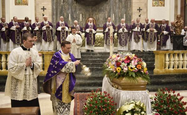 Misa de funeral por Joaquín Navarro-Valls