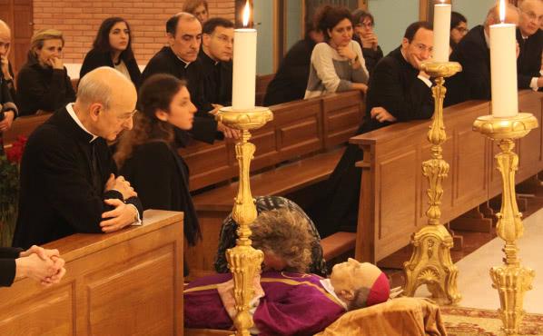 Opus Dei - Šv. Mišios Vilniuje už šią savaitę mirusį Opus Dei prelatą J. Echevarria