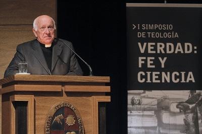 Monseñor Ricardo Ezzati, Arzobispo de Santiago, abrió el I Simposio de Teología de la Universidad de los Andes