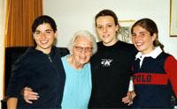 Residenza Universitaria femminile Sonnegg a Zurigo: impegno sociale nel quartiere. Sonnegg venne fondata nel 1968.