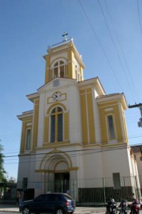 Fotos da cerimônia de entronização da estátua de São Josemaria em Goiânia