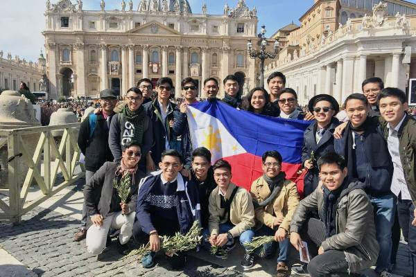 Opus Dei - Holy Week in Rome: The Church is Young!
