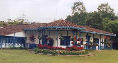 Guaycoral: vista de la primera Casa de retiros de la Región. Actualmente es La Rotonda.