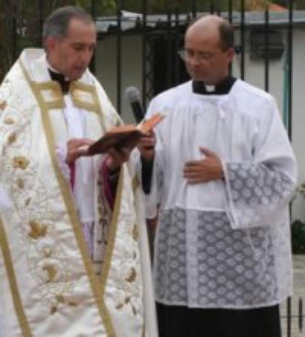 Habla el Vicario Regional en Colombia, Monseñor Hernán Salcedo